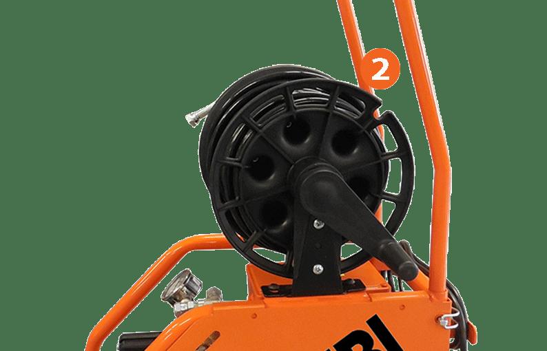 pompe de traitement avec enrouleur intégré